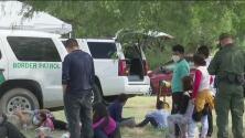 Crisis fronteriza: miles de indocumentados cruzan la frontera de Texas en solo 48 horas