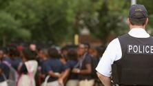 Se acerca la fecha límite para decidir sobre la presencia de policías en secundarias públicas de Chicago