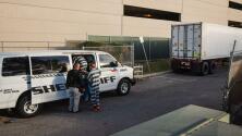 Usan a presos para trasladar a fallecidos por coronavirus a las morgues móviles de El Paso