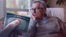 """""""El sistema del Seguro Social se está desmoronando"""": El duro golpe que enfrenta y que llevaría a recortar beneficios para el 2034"""