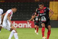 Alajuelense vence en penales a Olimpia y está en la Final de la Concacaf League