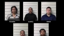 Arrestan a cinco presuntos depredadores sexuales de menores en línea en el centro de Texas