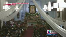 Cientos de personas en Sacramento le cantan las mañanitas a la Virgen de Guadalupe