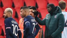 Tras acto racista, el PSG- Istanbul tendrá nueva terna arbitral y cuarto árbitro