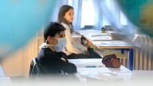Distrito Escolar del Condado de Broward evalúa flexibilizar el uso de la mascarilla: esto debes saber
