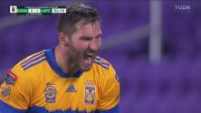 ¡Zarpazo letal! Gignac manda guardar el 2-1 y Tigres saborea el título