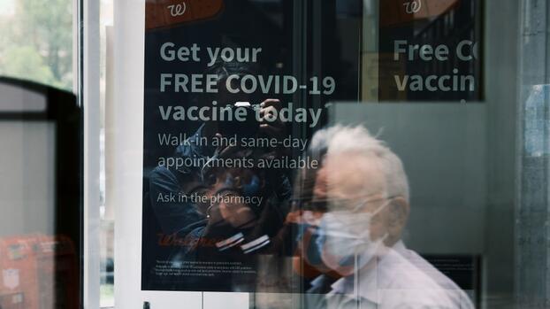 """Fauci advierte que EEUU va """"en la dirección equivocada"""" con respecto al covid-19 y urge vacunarse"""