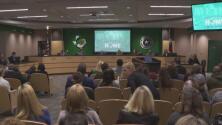 Indignación y dolor entre padres de familia del Distrito Escolar de Carroll por la aparición de un video racista
