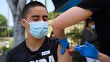 ¿Cuál es la importancia de que los menores elegibles reciban la vacuna contra el coronavirus?