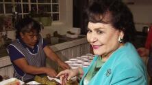 Carmelita Salinas organizó la tamaliza en su casa
