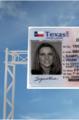 Si su licencia expiró hace dos años debe solicitar una en persona.