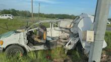 La camioneta se volcó y quedaron atrapados, así fue el accidente en el que murieron al menos 10 inmigrantes