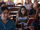Más trabajo, menos remuneración: la brecha salarial mantiene a las mujeres en niveles de pobreza