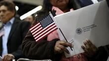 Hay una buena noticia para algunas personas con casos migratorios en EEUU a punto de expirar, ¿de qué trata?