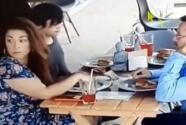Insólito: familia es captada poniendo el pelo en la comida para no pagar en restaurante