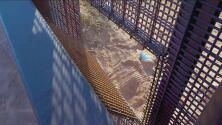 Coyotes y narcos desmantelan secciones del muro fronterizo no reconstruidos para cometer sus delitos