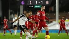 Liverpool no pudo con Fulham y desaprovechó tropiezo del Tottenham