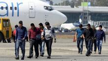 Corte reactivó la deportación acelerada de familias que cruzan la frontera ilegalmente. Abogada explica