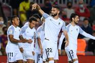 El Barcelona de Koeman perdía por temprana anotación del Granada por parte de Domingos Duarte al minuto 2'. Durante el partido agónico, la escuadra culé logró salvar el empate hasta los 90 minutos gracias al gol de Ronald Araújo, dejando el marcador 1-1 en la J5 de La Liga.