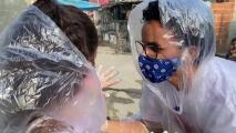Esta maestra se las ingenió para ver a sus alumnos en medio de la pandemia