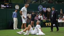 Una lesión de su rival ayudó al triunfo de Federer en Wimbledon