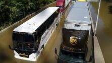 Autobuses llenos de agua y el metro inundado: imágenes de las inundaciones en Nueva York