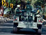 Incidente en la frontera: pobladores de una aldea de Guatemala retienen a militares mexicanos tras tiroteo