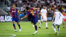 En emotivo juego de veteranos, el Madrid venció al Barcelona