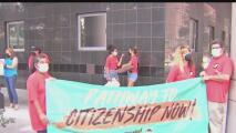 """""""No es justo"""": activistas proinmigrantes en Houston alzan su voz para rechazar fallo contra DACA"""