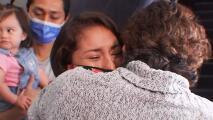 El reencuentro de una 'dreamer' con su familia tras seis meses separada porque le negaron la entrada a EEUU