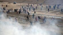 California alista acción legal por uso de gas lacrimógeno para repeler a los migrantes en la frontera
