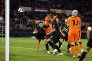 Goleada que recibió Gibraltar ante Países Bajos con marcador de 0-6 durante las eliminatorias de la UEFA, rumbo a Catar 2022. Virgil Van Dijk, Memphis Depay con dos, Denzel Dumfries, Amaut Danjuma y Donyell Malen, sumaron goles para el triunfo durante esta fecha y se colocan en la cima del grupo G.