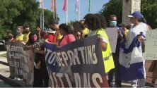 Un camino a la ciudadanía y cese a las deportaciones: activistas en Miami abogan por los migrantes haitianos