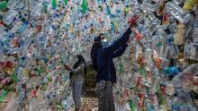 ¿Cómo será vivir entre basura plástica? Este museo abierto intenta generar consciencia (fotos)