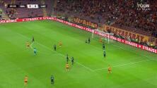 ¡AUTOGOL! de Thomas Strakosha para Galatasaray.