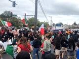 Estudiantes mexicanos se sacan la 'espinita': bailan su música frente a la escuela superior Marist y sin protestas
