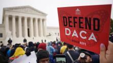 """Un juez federal concluye que la suspensión de DACA fue ordenada """"sin autoridad legal"""", ¿qué significa?"""
