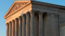 Corte Suprema evalúa si indocumentados detenidos por más de seis meses tienen derecho a solicitar libertad bajo fianza