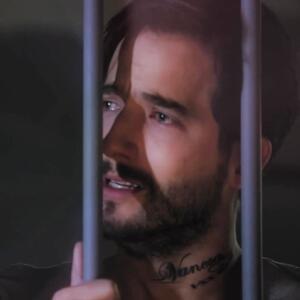 Charly terminó en la cárcel abandonado y hundido en la tristeza