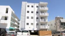Desalojan un edificio en Miami Beach que es propiedad del alcalde Surfside