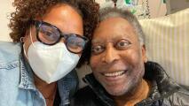 Hija de Pelé comparte un video de su padre bromeando en el hospital