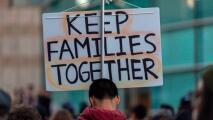 """""""Es una luz de esperanza"""": experta sobre fallo que permite a jueces de inmigración cerrar casos de deportación"""