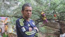 Consiguen cientos de muñecos mutilados en el refugio de un indigente