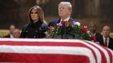 Donald Trump le da el último adiós al expresidente George H. W. Bush