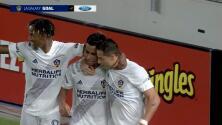 Efraín Álvarez provoca un autogol y LA Galaxy marca el segundo