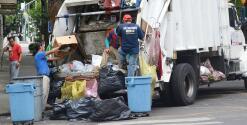 Retrasos en el recogido de basura en Filadelfia preocupa a los residentes del norte de la ciudad