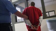 ICE endurece sus normas de detención de inmigrantes indocumentados