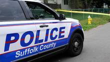 Hallan a salvo a un bebé en casa de Long Island donde tres personas fueron encontradas muertas