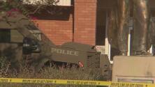Una mujer armada permanece por casi 10 horas atrincherada en la alcaldía de Pleasanton