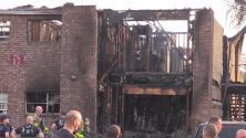 Al menos siete familias lo pierden todo por un voraz incendio al noroeste de San Antonio